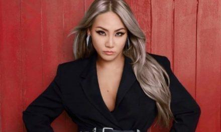 """CL возглавляет чарты iTunes по всему миру с """"+DONE161201+"""""""