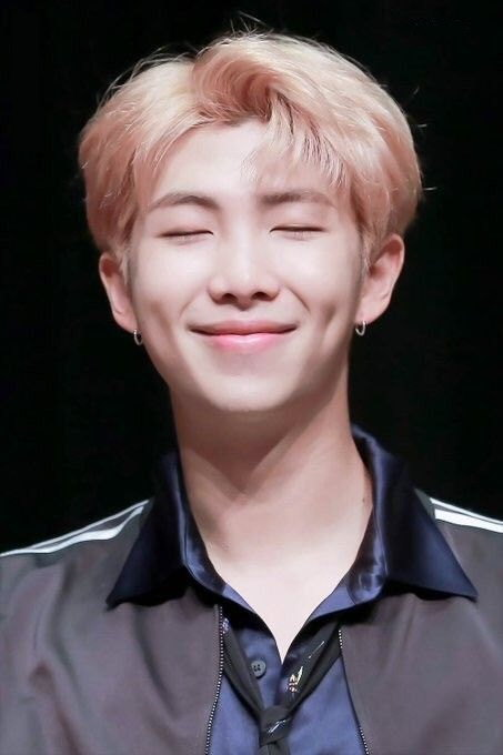RM souriant