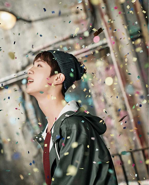 photo kpop album BTS You Never Walk Alone Jin
