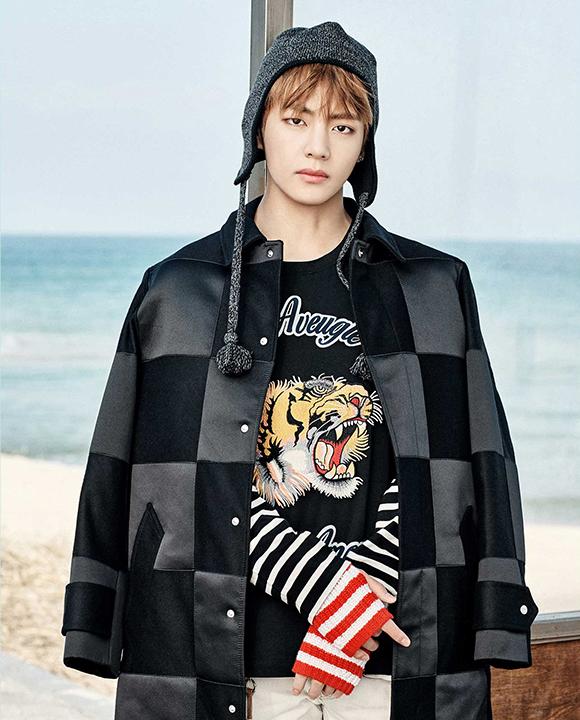 photo kpop album BTS You Never Walk Alone korea V Kim Taehyung