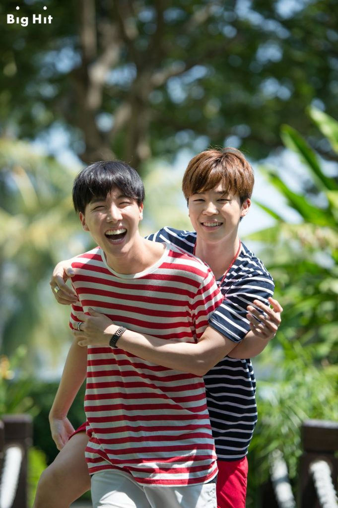 photo kpop album BTS SUMMER PACKAGE IN KOTA KINABALU 2015 J-Hope, Jimin